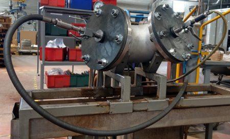 Exemple de conception et réalisation du dispositif d'alimentation en air ainsi que de l'outillage assurant l'étanchéité